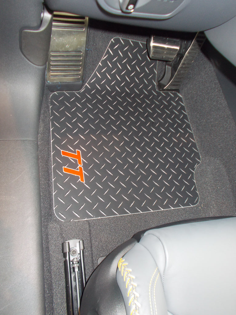 Audi TT 2007-2014 Black Metal diamond mats
