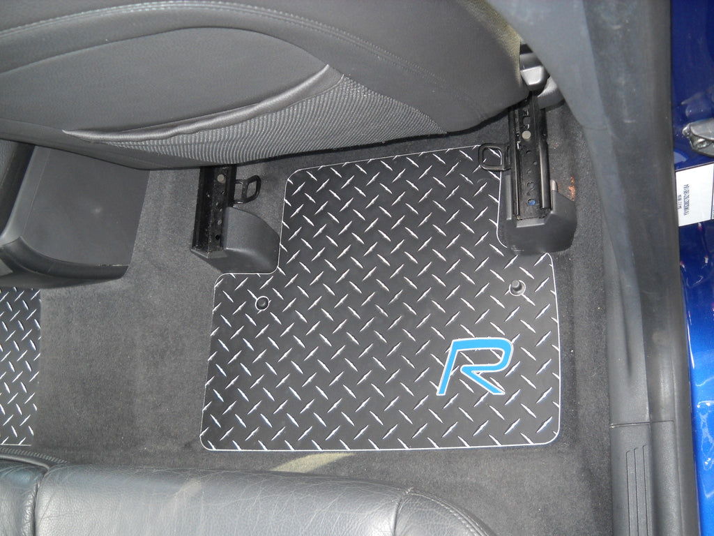 C30 R Line  05-15 Black Metal diamond Aluminum floor mats. Front Rear