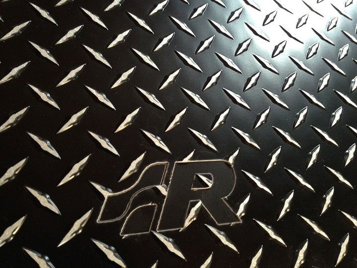 Volkswagen R32  99-05 Black Metal diamond aluminum floor mats
