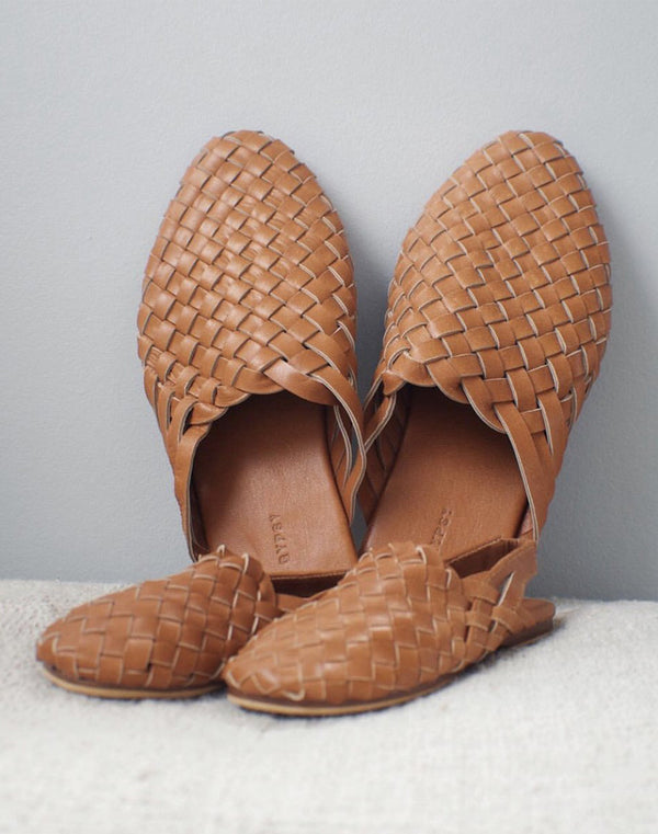Scandic Gypsy Adult Woven Leather Mule in Summer Tan