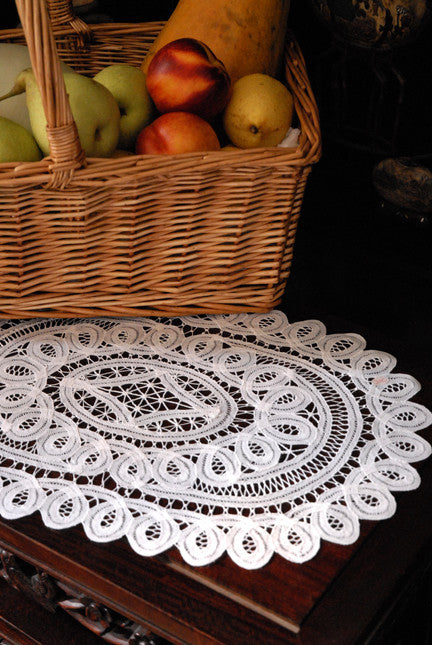 "Battenburg Lace Placemat Oval White - 14""x20"""