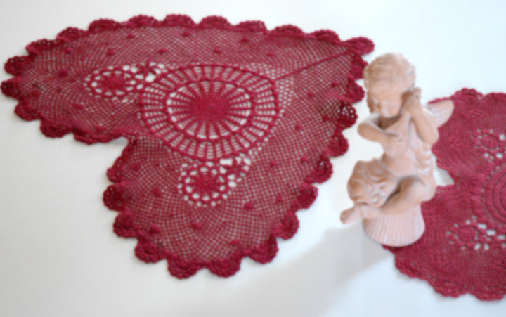 "Poppy Heart Shaped Doilies  Red 18"" Inch"