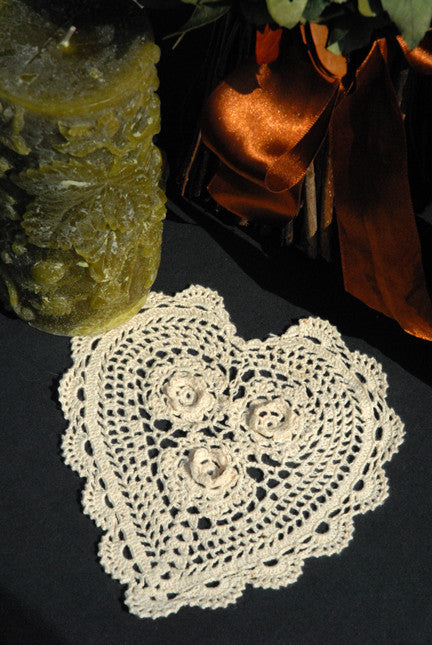 "Rosette Heart Shaped Doilies Ecru 6"" Inch"