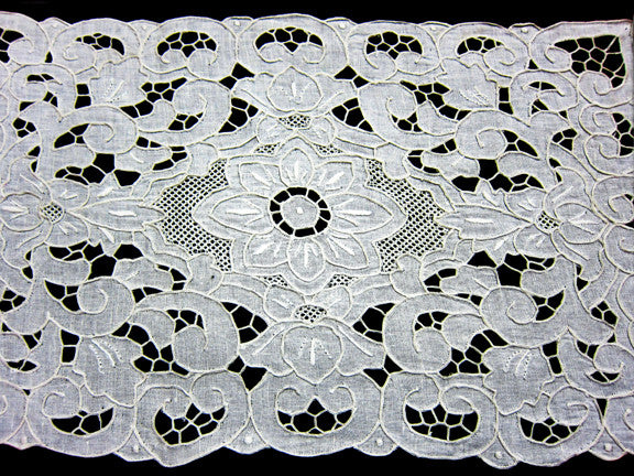 Lily Garden Placemat Set White