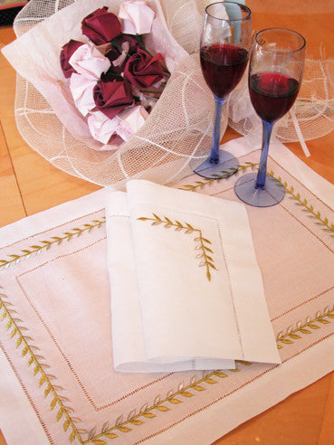 Gold/Silver Ivy Placemat Set