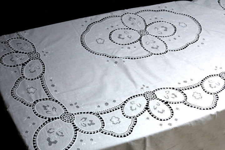 Sweet Magnolia Crochet Table Cloth 86x104 Inch White