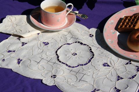 Rose Placemat Set Ecru  - CLOSEOUT
