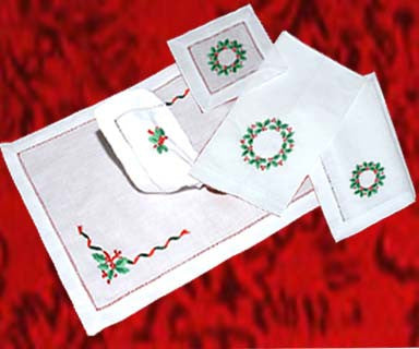 Hollyberries Christmas Placemat Set