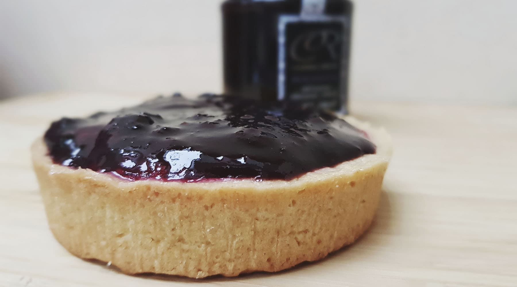Organic blackberry fruit jam tart recipe