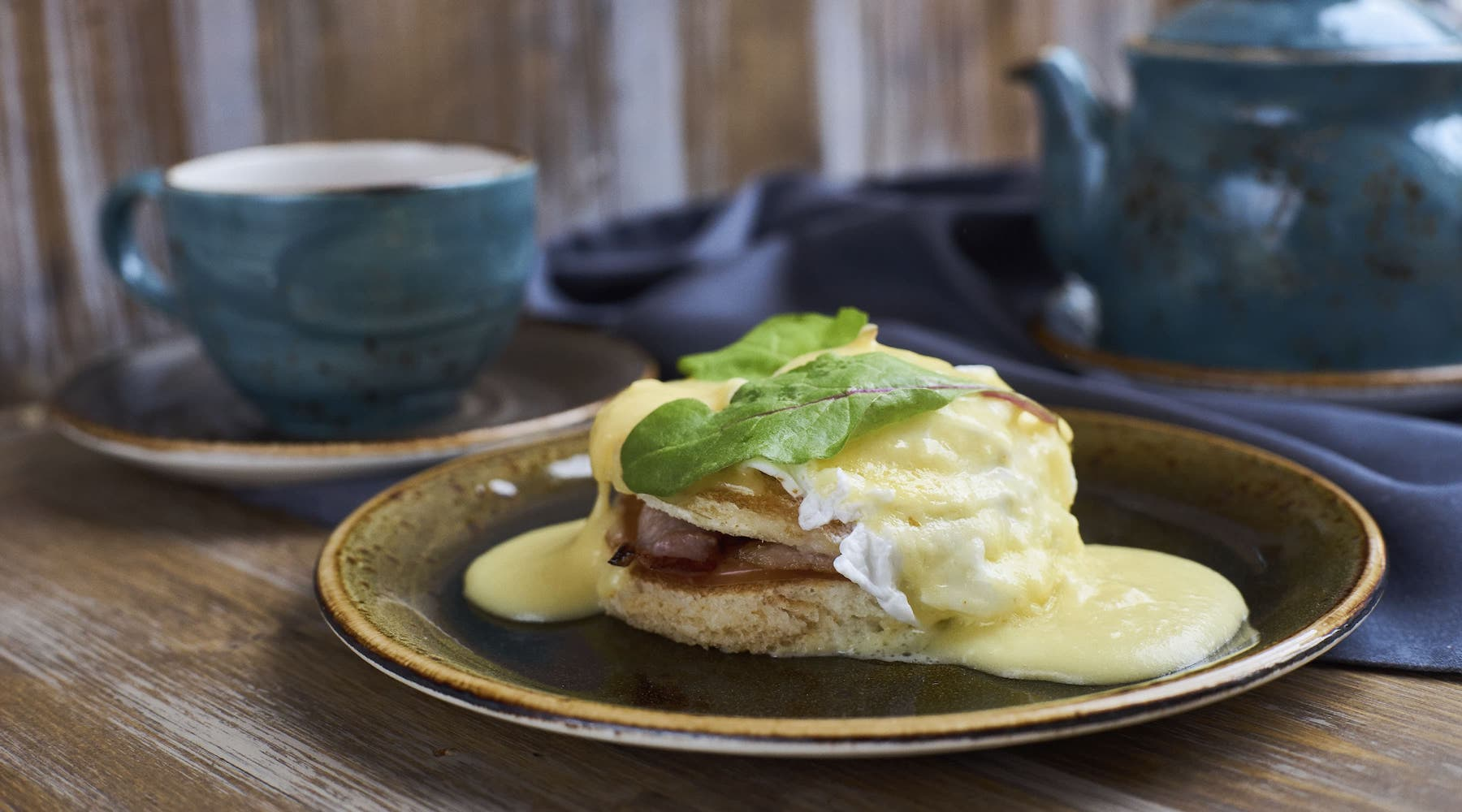 Brunch with eggs Benedict and organic Chateau Rouge black tea