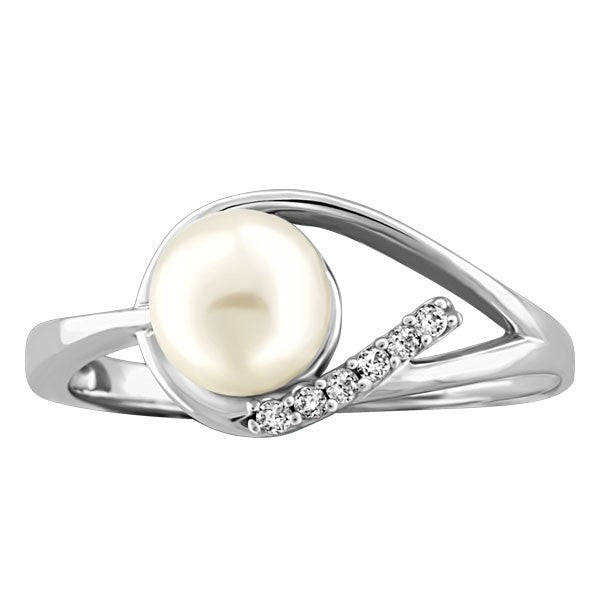 WHITE GOLD DIAMOND AND PEARL RING RIN-LGM-1942
