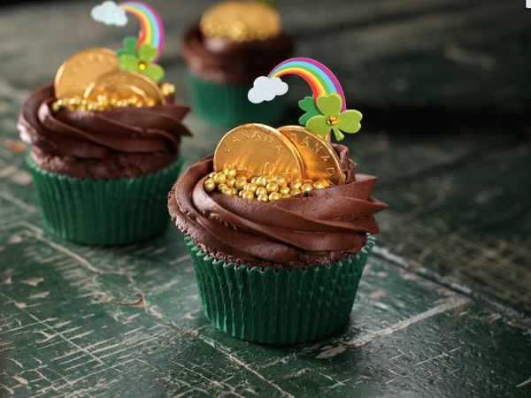 pot of gold - st patrick's day - cupcakes
