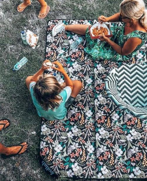 Picnic Mat Hibiscus - SOLD OUT!