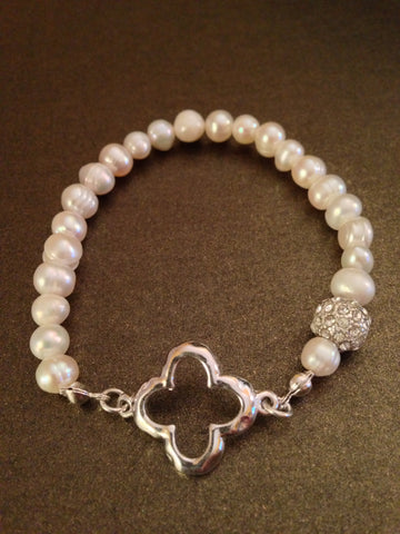 Fresh Water Pearl and Clover Stretch Bracelet