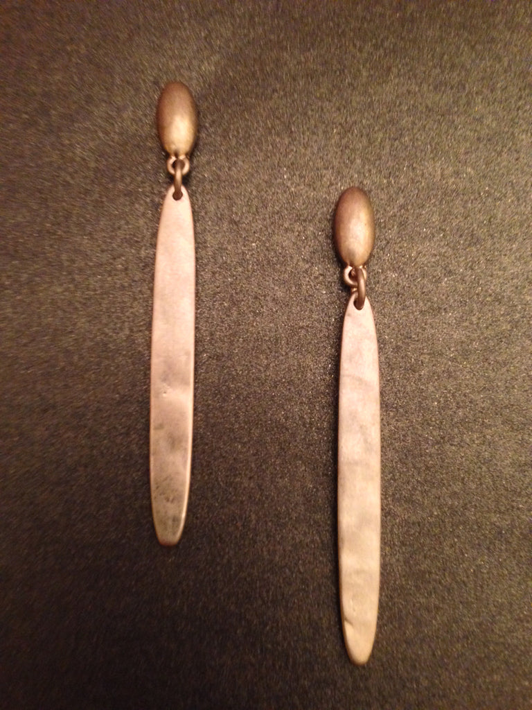 Hammered Metal Bar Earring