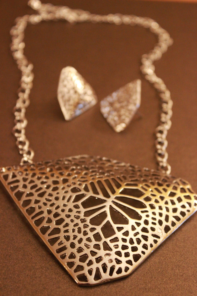 Abstract Filigree Pendant Necklace Set