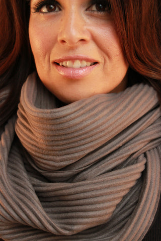 Ribbed Structured Scarf