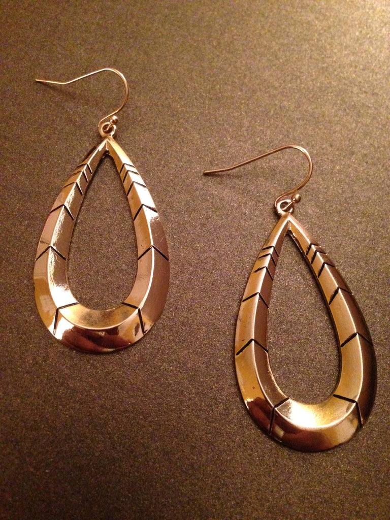 Chevron Textured Teardrop Earring