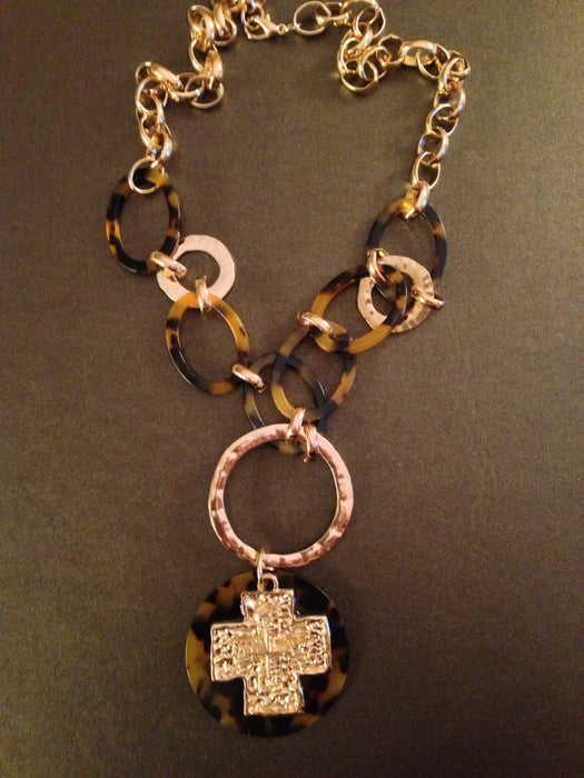 Cross Pendant Hammered Links Necklace