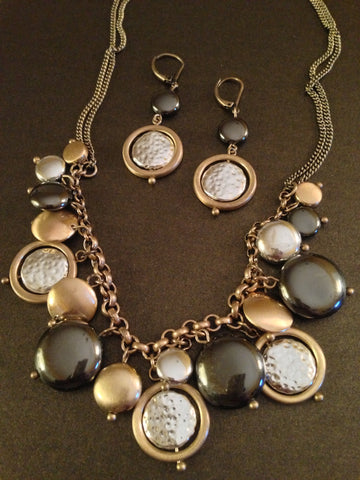 Metal Hammered Round Discs Necklace Set