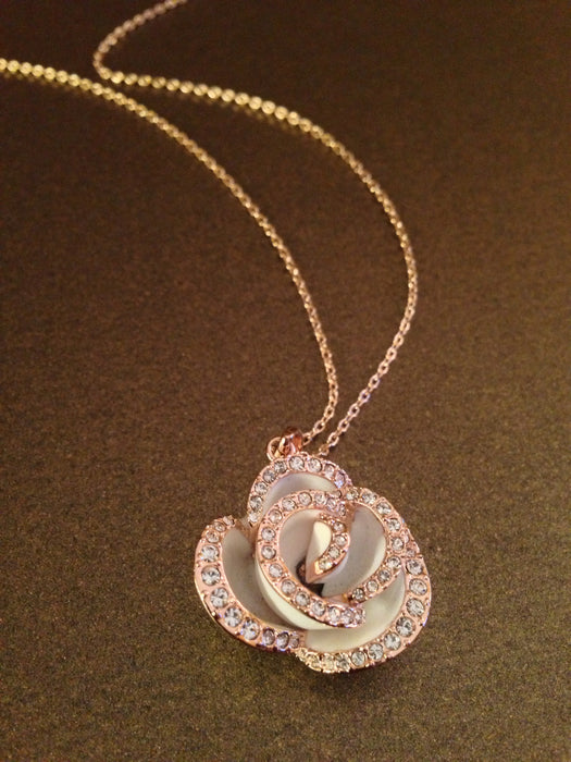 Crystal Lined Rose Necklace (White)
