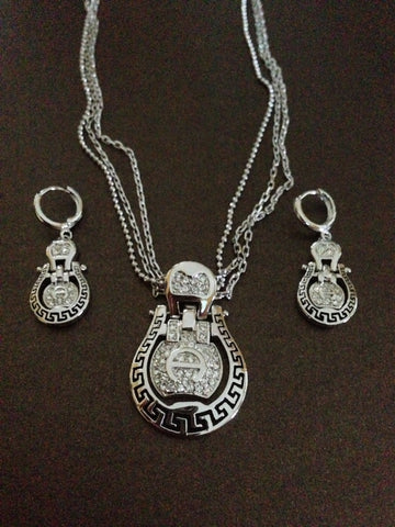 Horseshoe Crystal Lined Necklace Set