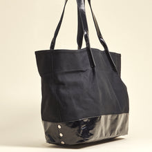 Load image into Gallery viewer, Hermosa-Beach-Black-Shadow-Light-Crossbody-View