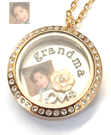 FLS12 - Personalized Grandma Jewelry Gift Locket Necklace with photo