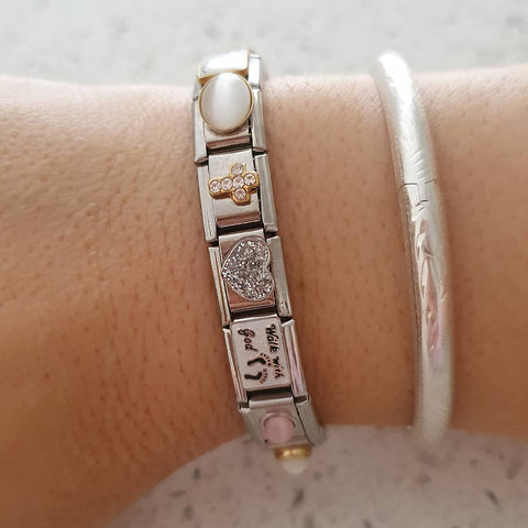 FULL BRACELET OF ANY 18 PICTURE ITALIAN CHARMS (VALUE R630)