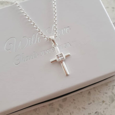 C15174 - 925 Sterling Silver Cross Necklace