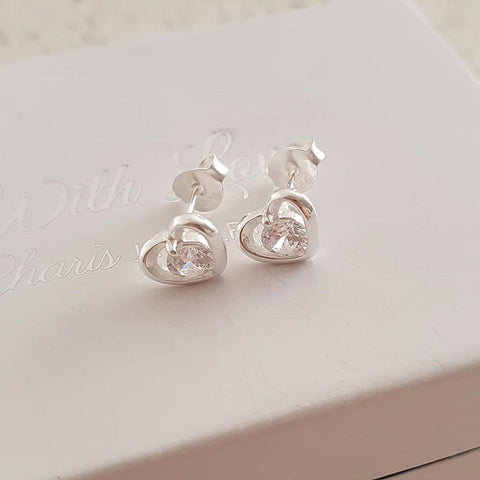 C660-C35463 - Stunning 925 Sterling Silver CZ Heart Ear Studs