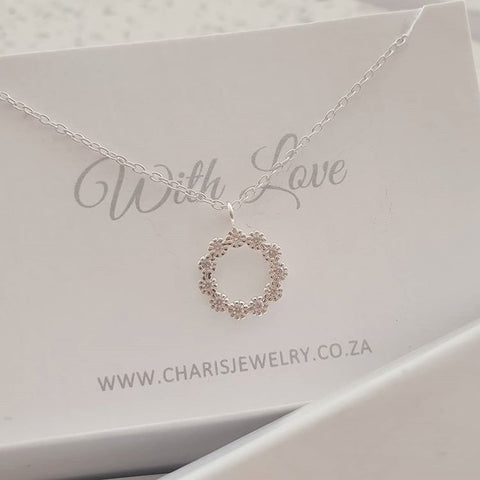 C1122-C40205 - 925 Sterling Silver Flower Circle CZ Necklace, 10.5cm, 45cm