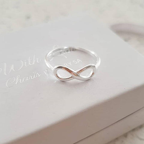 C292-C15056 - 925 Sterling Silver Ladies Infinity Ring