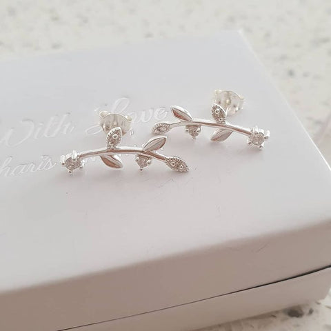 C1221-C37914 - 925 Sterling Silver CZ Stone Leaf Ear Pin Earrings
