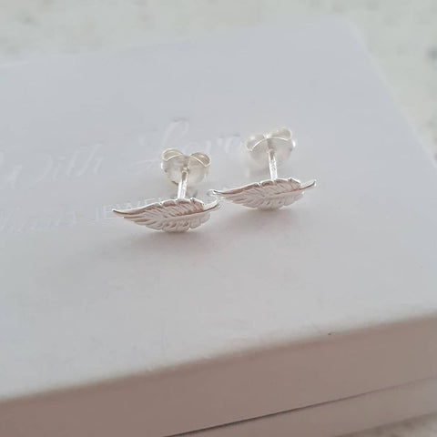 A278-C17849 - 925 Sterling Silver Small Leaf Earrings, 10x4mm