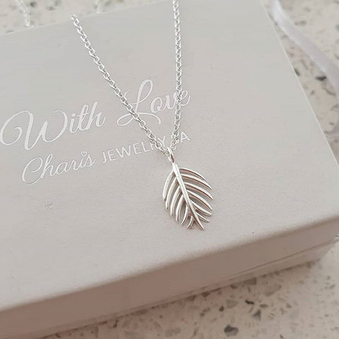 C1137-C37903 - 925 Sterling Silver Leaf Necklace