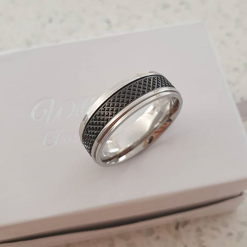 C536-C37730 - Men's Stainless Steel Ring, Sizes 11-14