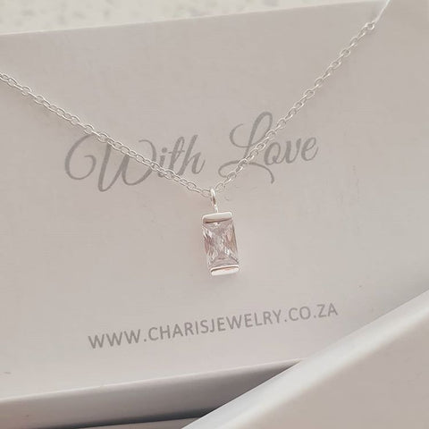 C586-C40234 - 925 Sterling Silver Small CZ Necklace, 4x8cm, 45cm chain