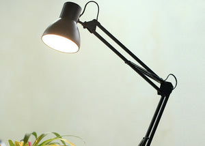 HÌÎ_nga Desk Lamp