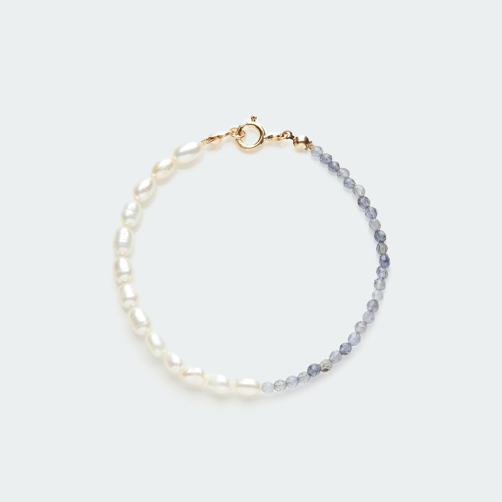 Load image into Gallery viewer, Rêve bracelet gold - single colour medium pearl