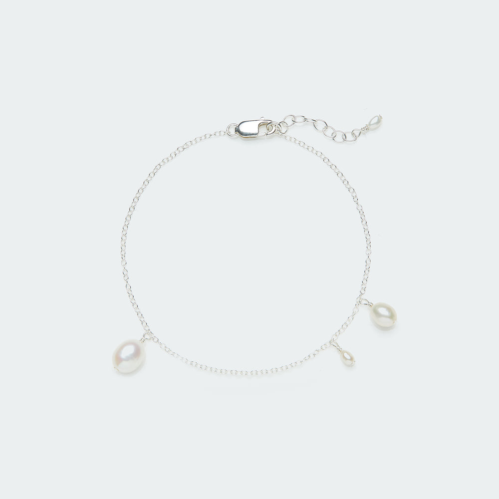 Load image into Gallery viewer, Asymmetric Pearl bracelet silver