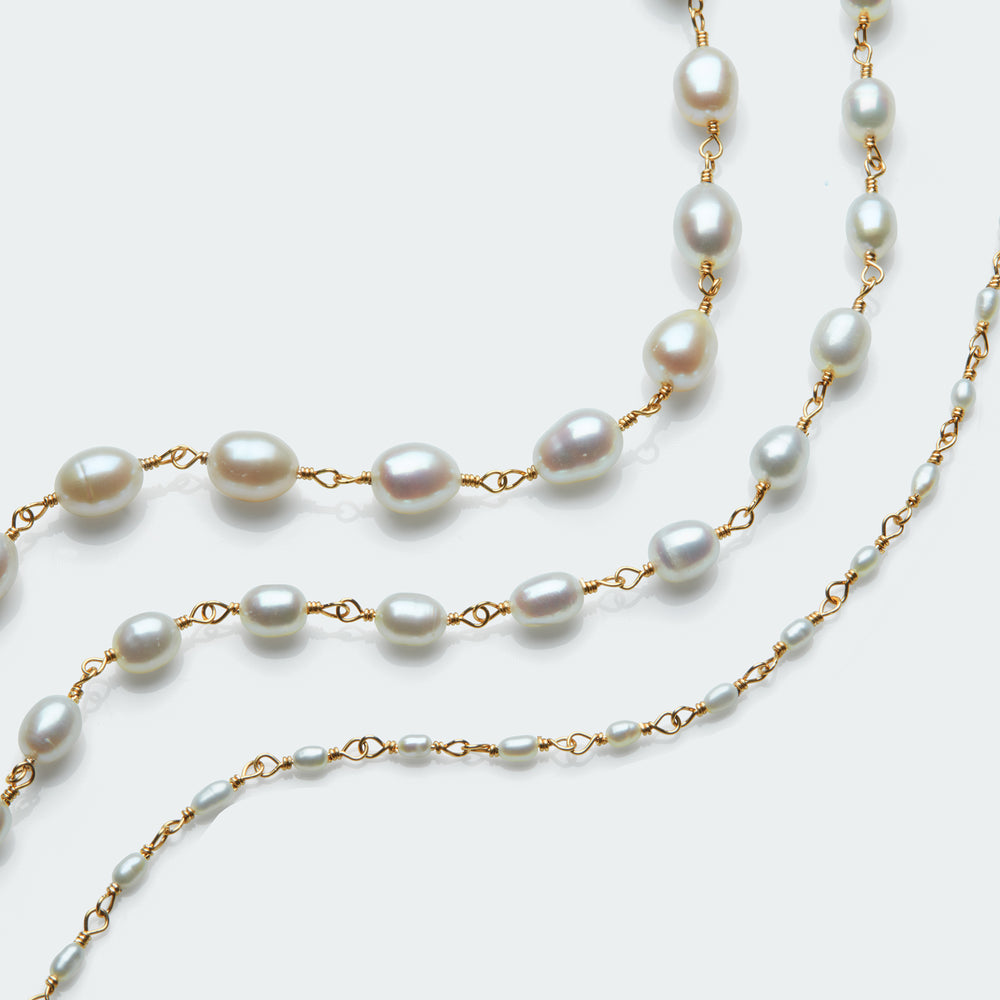 Pearl rosary necklace gold