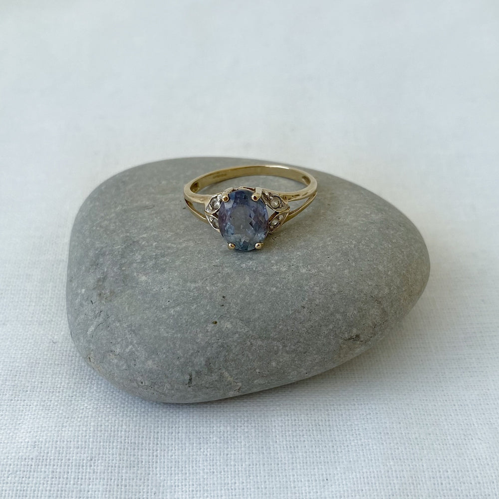 Tanzanite solid gold ring
