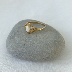 Load image into Gallery viewer, Opal and diamonds solid gold ring