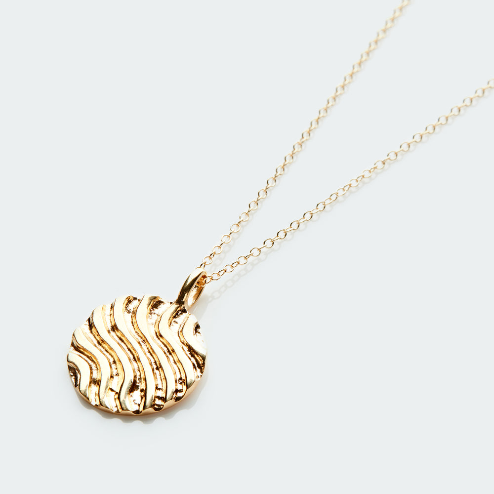 Dunes pendant necklace gold