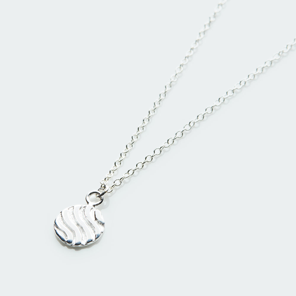Little Dunes pendant necklace silver