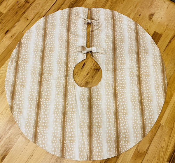 Christmas Tree Skirt-Light Antelope