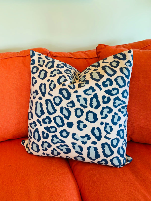 Throw Pillow-Blue Cheetah