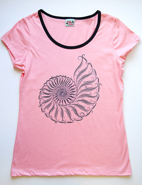 Amelia Tee in Light Pink Nautilus