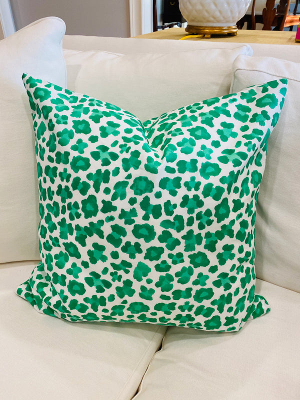 Throw Pillow Cover-Kelly Green Leopard